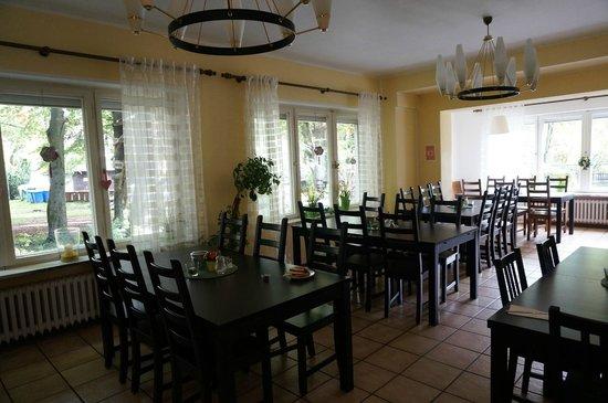 Hostel 2962: Breakfast dining room
