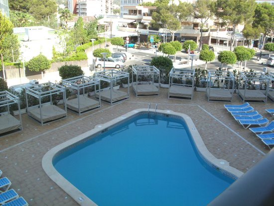 Lively Magaluf Hotel: Pool area