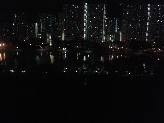 Royal Park Hotel: Nighttime view