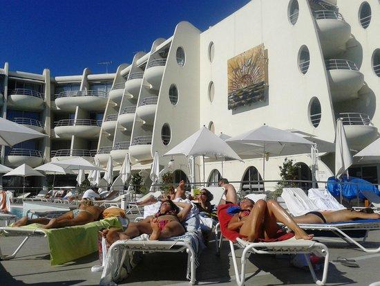 Hotel Les Corallines: ESPACE PISCINE