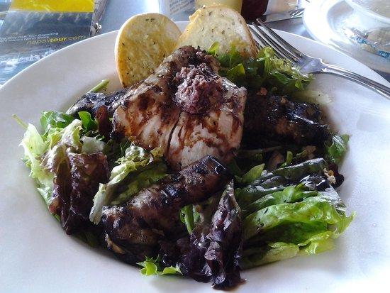 Brennecke's Beach Broiler: Grilled mahi mahi salad