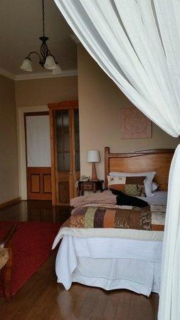Hotel Boutique Acontraluz: Cama exquisita