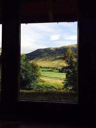 Glen Clova Hotel: Morning view from the kitchen