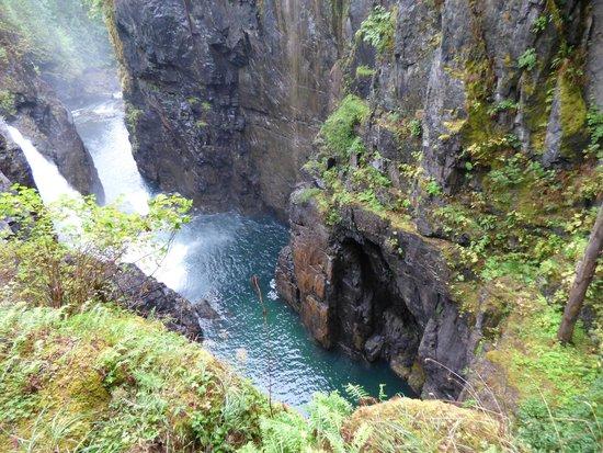 Hidden Harbour Vacation Rental and B&B: Elk Falls - 20 Minuten entfernt