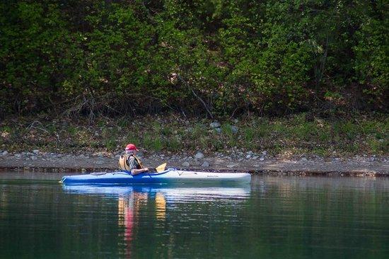 Walden Pond State Reservation: Kayaking on the pond