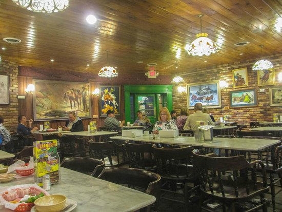 Wall Drug Store Cafe: Dining room