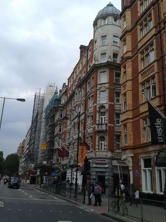 Mercure London Bloomsbury : Quaint hotel