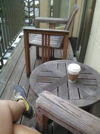 Larkspur Landing Sunnyvale: Coffee with my morning on the deck off the bedroom
