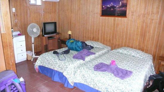 Kaimana Inn Hotel & Restaurant: Zimmer