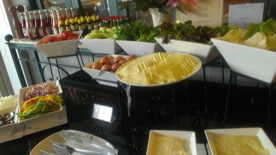 Evergreen Place Bangkok: Good breakfast selection