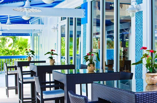 Sheraton Suites Key West: Coral Crab Cafe Outdoor Deck