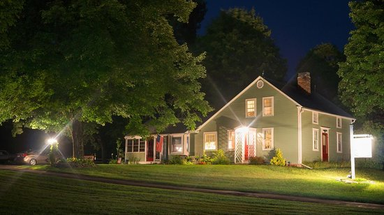 Truman Gillet House B & B: House