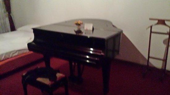 B&B Ca'barbaria : le piano à queue de la chambre