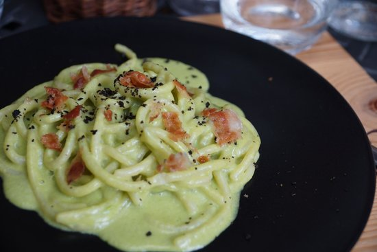 Volpaia, Olaszország: Pici con piselli, menta, pancetta