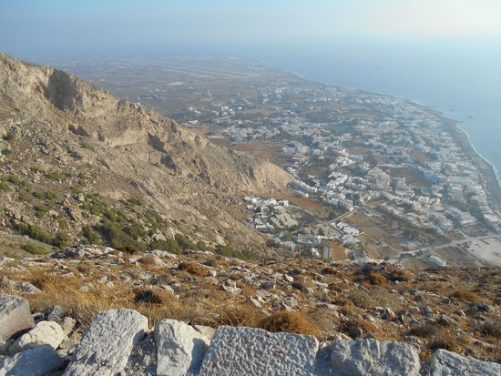 Aegean View Hotel: View of Kamari Village from Ancient Thira
