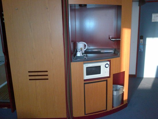 Novotel Suites Hamburg City hotel: kitchen corner