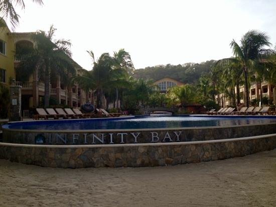 Infinity Bay Spa and Beach Resort: Beautiful pool, the pro pics do it better justice and reflect how beautiful the entire resort is