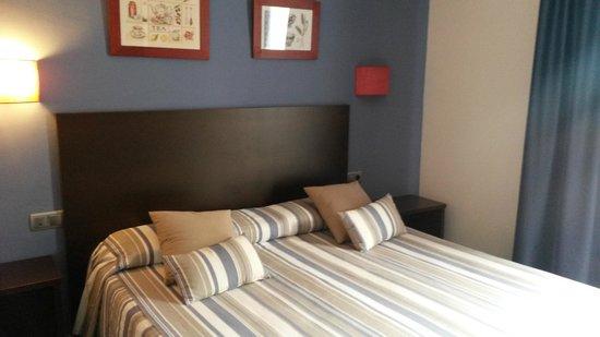 Mar Blau Tossa Hotel : Cama gg