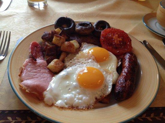 Bre Pen Farm B&B : Its a feast!