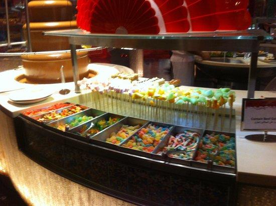 Saffron: buffet dolci