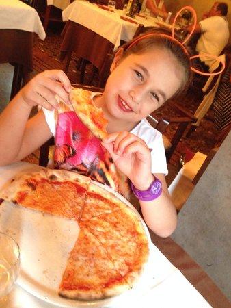 Ristorante Ai Leoncini San Marco: Delicious pizza in the heart of piazza San Marco, Venice