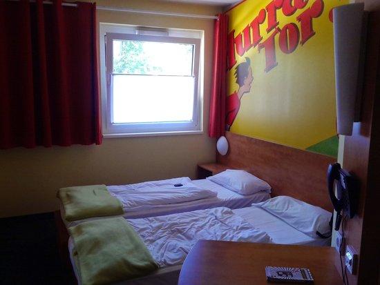 B&B Hotel Dortmund-Messe: Twin beds