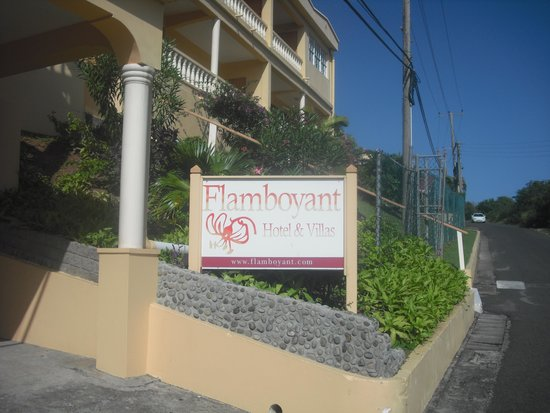 The Flamboyant Hotel & Villas: The hotel entrance