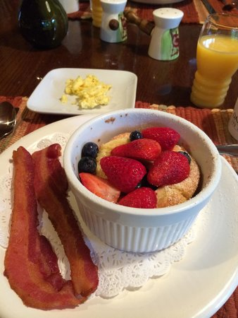 Henson Cove Place B&B : Wonderful breakfast!