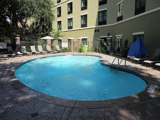 Holiday Inn Express Hotel & Suites Mt Pleasant-Charleston : Clean Pool