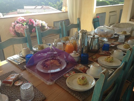 B&B Smeralda: Breakfast time