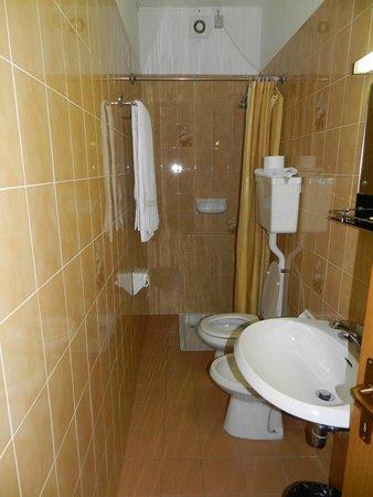 Albergo Carlo: la salle de bain...(3 étoiles???)
