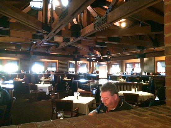 J Alexander's Restaurant: Main dinning room