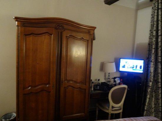 Crystal Hotel: quarto