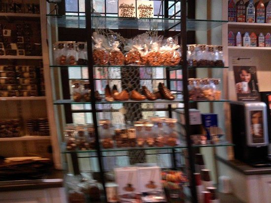 The Chocolate Crown: Vitrine du magasin