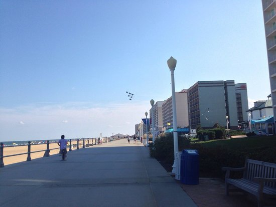 SpringHill Suites Virginia Beach Oceanfront: Blue Angels practicing outside hotel! This photo is taken on stroll of boardwalk about a half bl