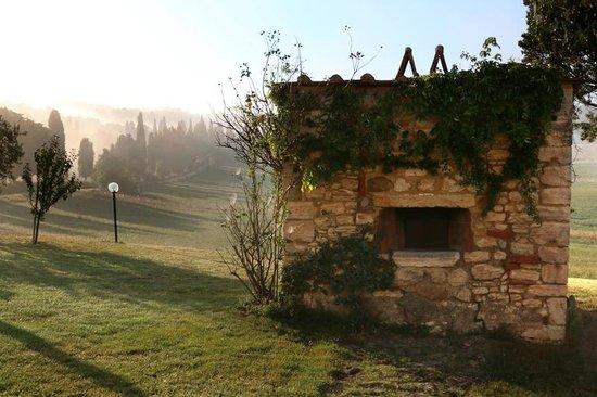 Villa Le Ginepraie : Pizza / bread stone oven