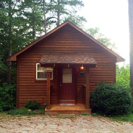 Eureka Sunset Cabins: Reel Em Inn Cabin Front