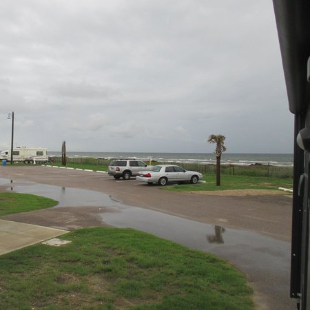 Dellanera RV Park : The gulf from our RV front door.