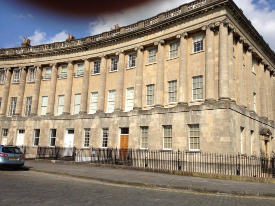 Royal Crescent: Close look at the buildings