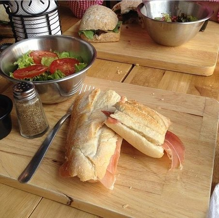 Metiz Delicatessen y Bistro : Jambon Beurre (Ham and butter) sandwich....a french classic!