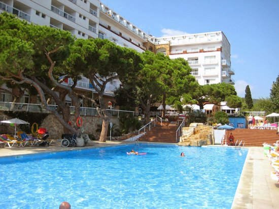 H·TOP Caleta Palace: Hotel and Pool
