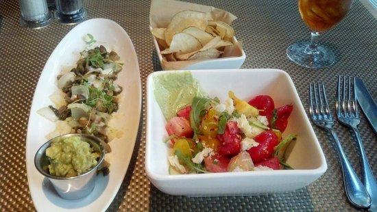The Grove : Mushroom Taco, Heirloom Tomato Salad and Chips