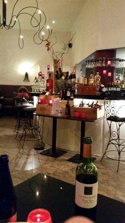 Cristobald : Bar avec d excellent vins