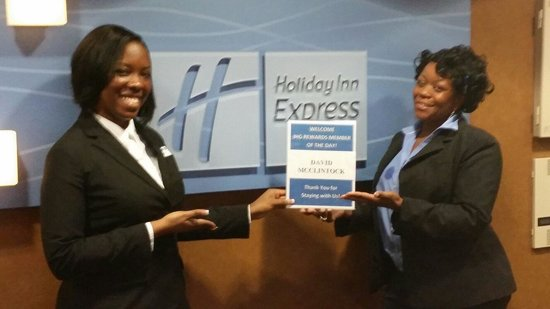 Holiday Inn Express & Suites Columbia Downtown: EXCELLENT SERVICE/STAFF