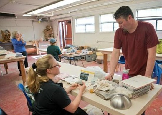 Lincoln City Cultural Center : ceramics classroom