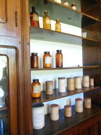 Indiana Medical History Museum: The medicines were still as they had been since the facility was operating.
