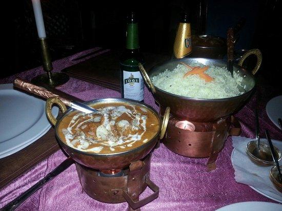 Indienhaus: Lamm in einer Sahnesoße mit Cashewkernen;-)