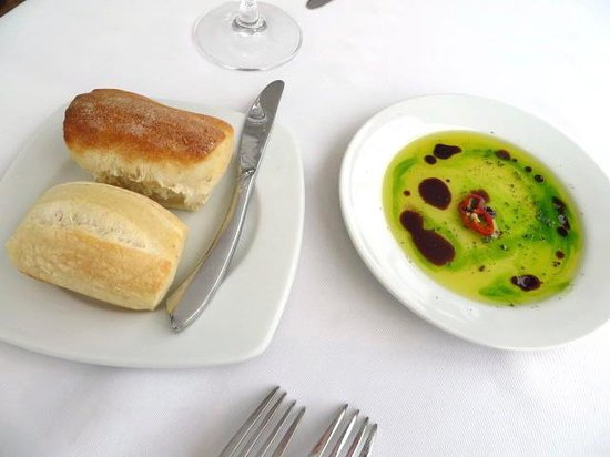 MAP Café: Bread with olive oil