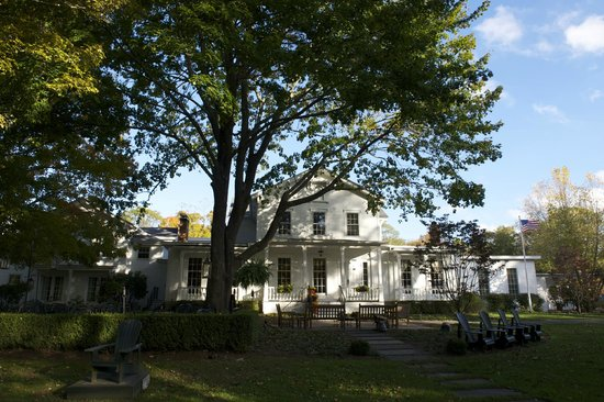 Old Lyme Inn: Early Autumn