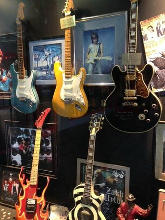 the signed guitars and memorabilia at guitar center hollywood picture of glitterati tours. Black Bedroom Furniture Sets. Home Design Ideas